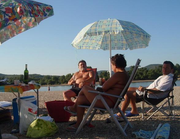 www.foodandwine.hu (Duna, Donau, Danube)