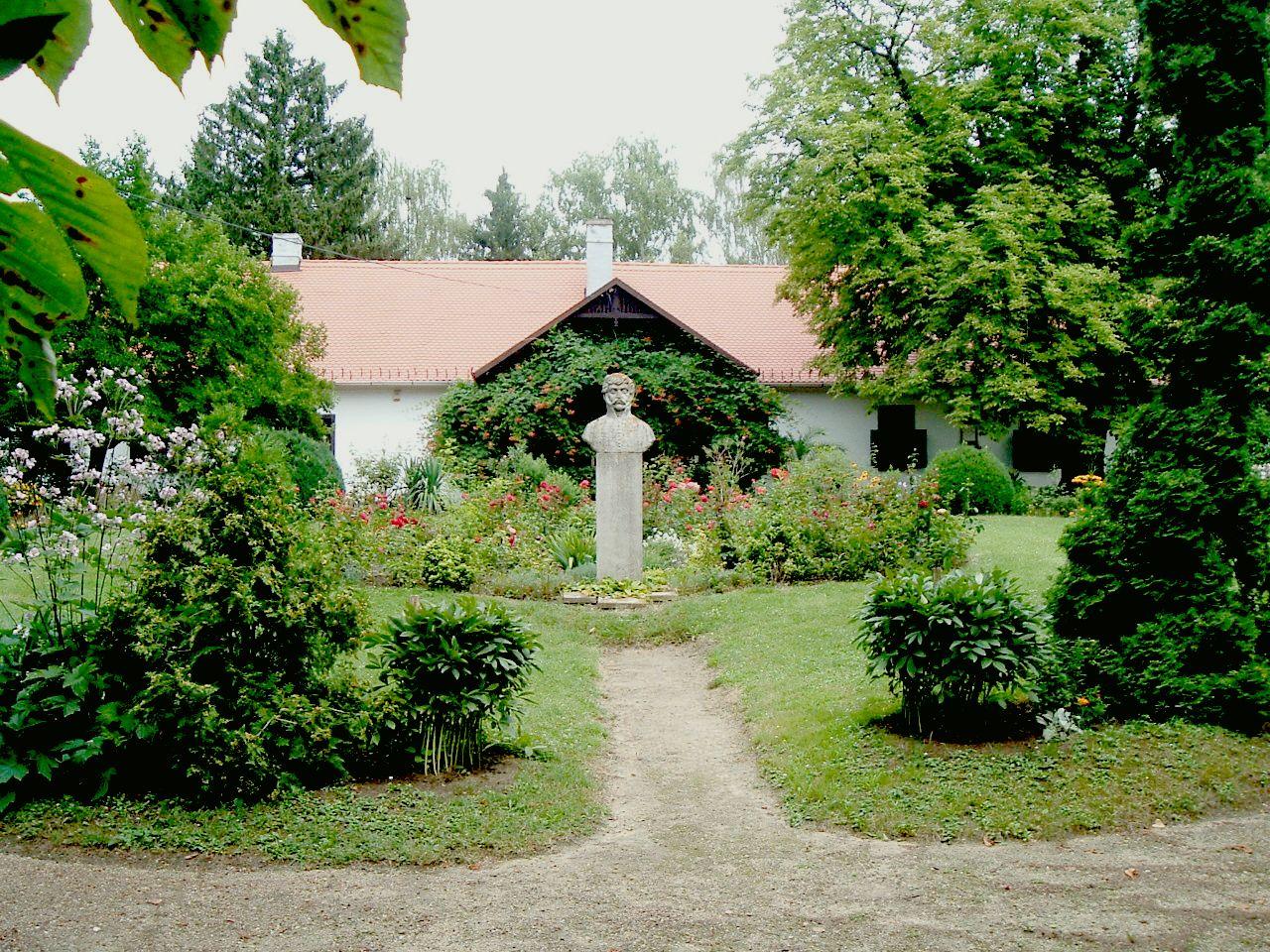 Berzsenyi kúria, Nikla Forrás: wikimedia
