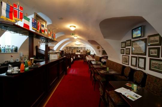 Gong Étterem, Budapest