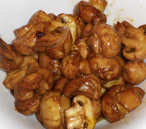 Wokban sült gombák, www.foodandwine.hu