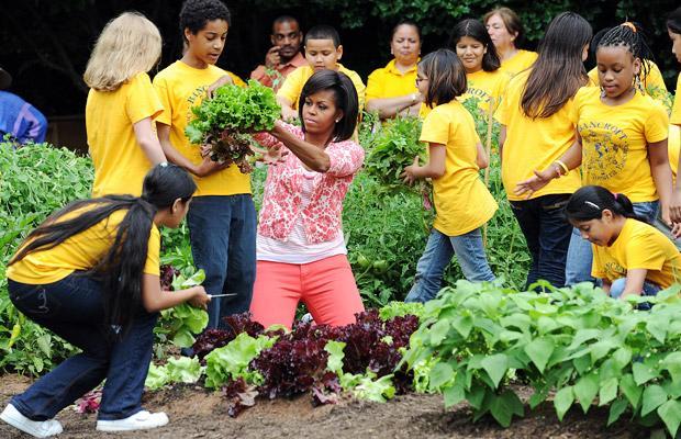 Michell Obama a Fehér Ház konyhaketjében, Forrás: organicnation.tv