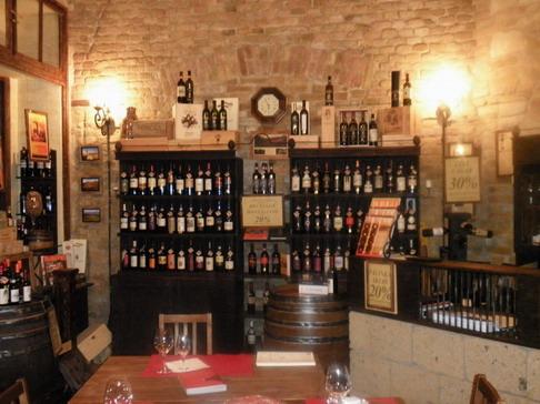 Brunello kóstoló, Hold utca; www.foodandwine.hu