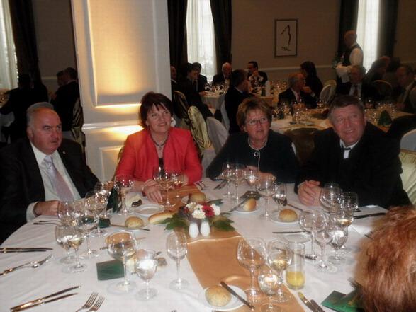 Niszkács Miklós, Pintér Katalin, Bock József és felesége; www.foodandwine.hu