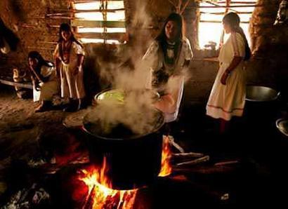 Arhuaco indianok Kolumbiában; Forrás:  dismalworld.com