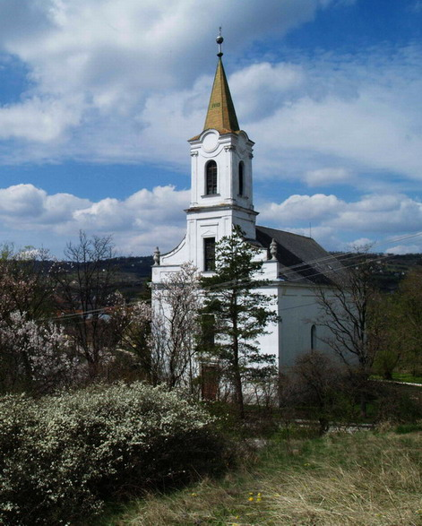 Pécsely, templom; Forrás panoramio.com