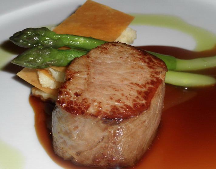 Café Pierrot, Cristophe Deparday; www.foodandwine.hu