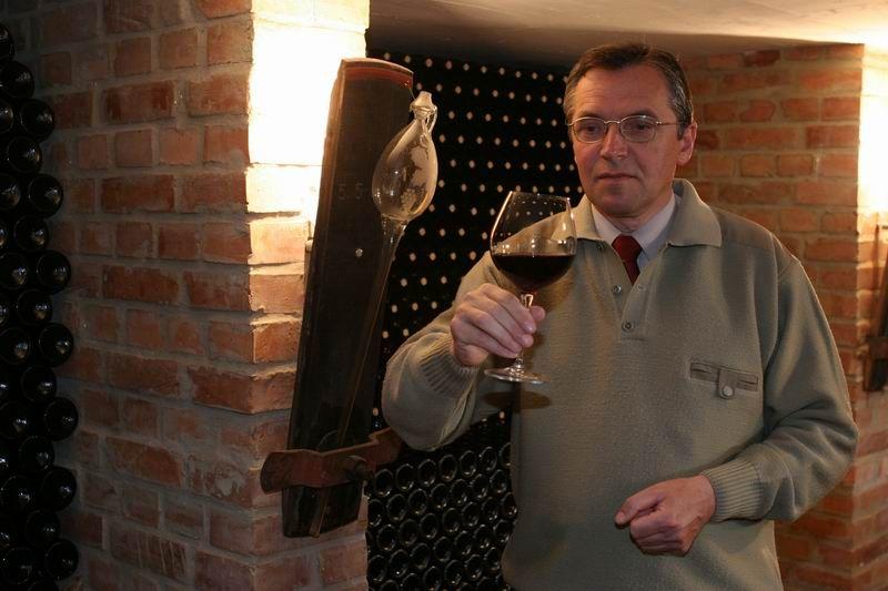Dr.Gál Lajos, Forrás: egriborut.hu