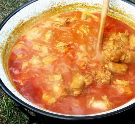 Pulyka nyak és zúza pörkölt; www.foodandwine.hu