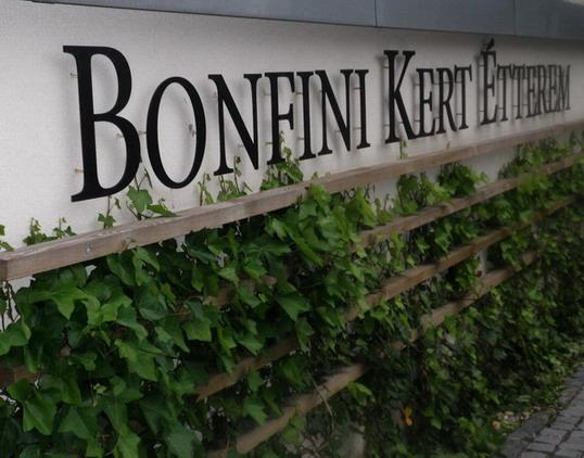 Bonfini Kert Étter4em; www.foodandwine.hu