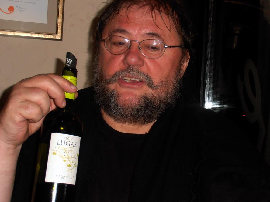 Ambrus Lajos író és Légli Ottó Lugas nevű bora