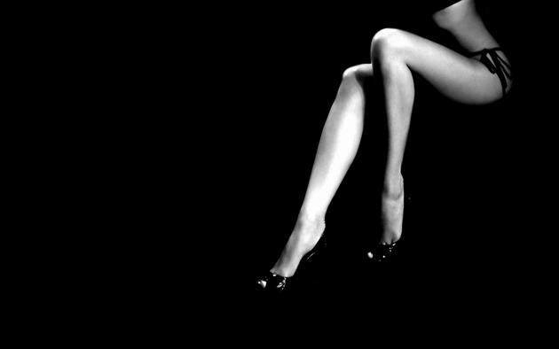 beauty-woman-legs