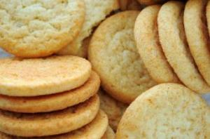 easy-chewy-sugar-cookies