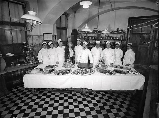 A Hotel Sacher konyhája (1920)