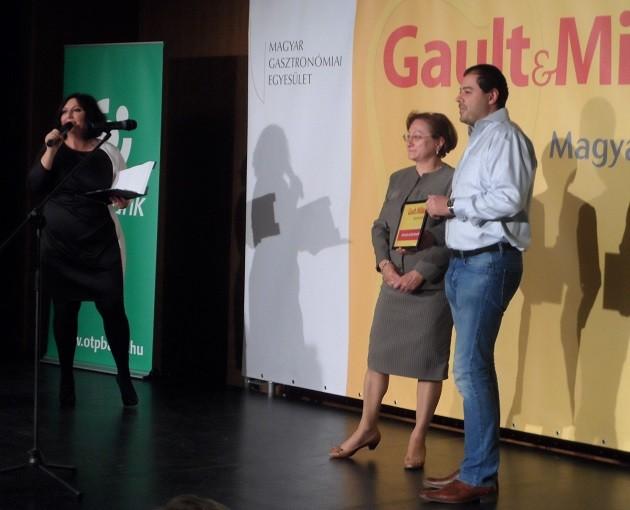 Az Alternatív vendéglátás 2016 díjat a Séf utcája és a Buja disznó(k) kapta. A díjat Zoltai Anna (Nébih) adta át