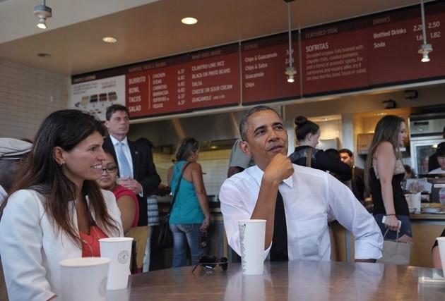 Barack Obama egy fast-casual Chipotle étteremben (Forrás: washingtonpost.com)