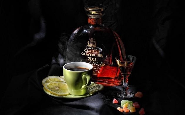 Konyak és kávé (Forrás: goodfon.xyz)