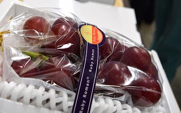 Ruby Roman szőlő (Japán) (Forrás: telegraph.co.uk)