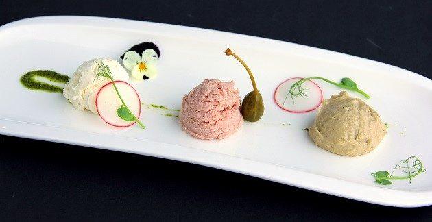 KÓSTOLÓ TRIÓ (camembert-krém, sonkakrém, padlizsánkrém)