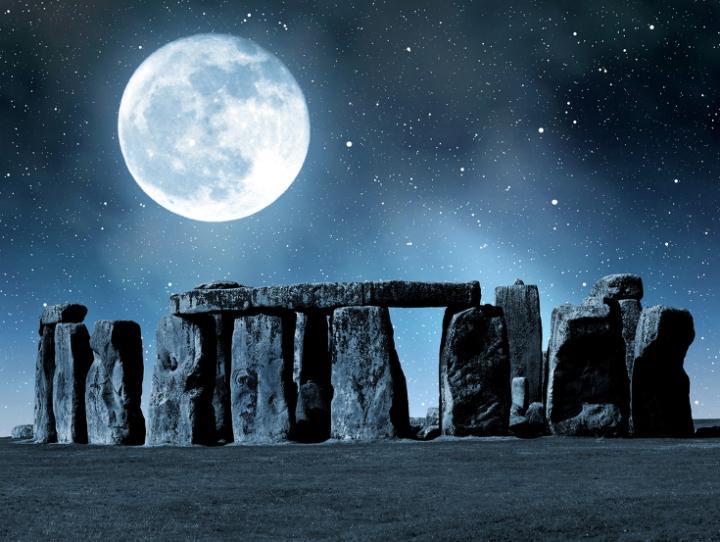 SZUPER HOLD 2020 – ma éjjel óriási lesz a rózsaszín Hold