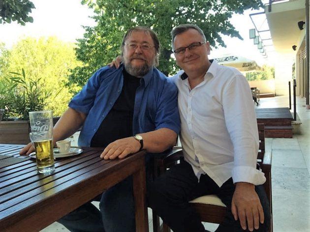 Ambrus Lajos József Attila-díjas író barátommal, a FOOD&WINE állandó vendégszerzőjével, zsűrizés előtt.