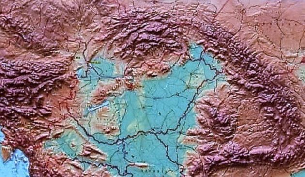 A Kárpát-medence domborzati térképe