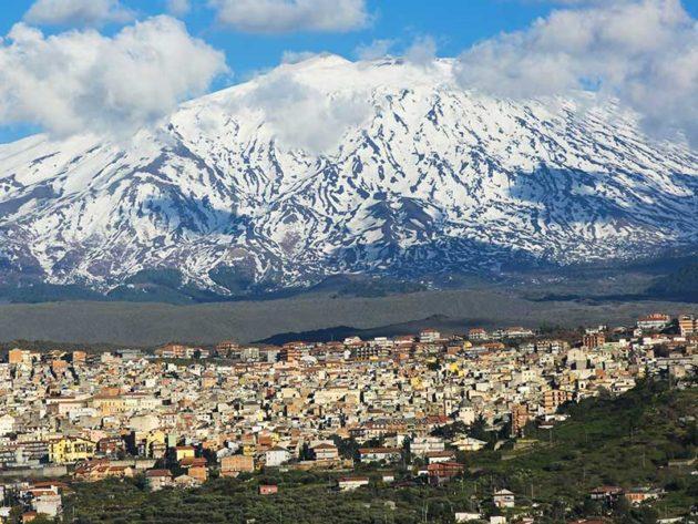 Bronte és a havas Etna