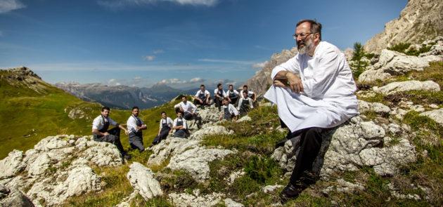 Norbert Niederkofler executive chef és csapata (St. Hubertus, Olaszország)