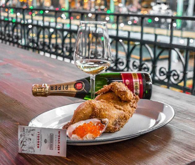 A Séf utcája étele: bresse-i bébicsirke kaviárral
