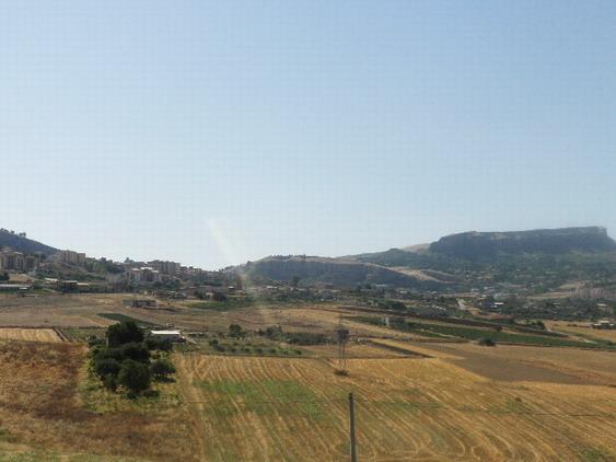 Szicília (a távolban Corleone városa)