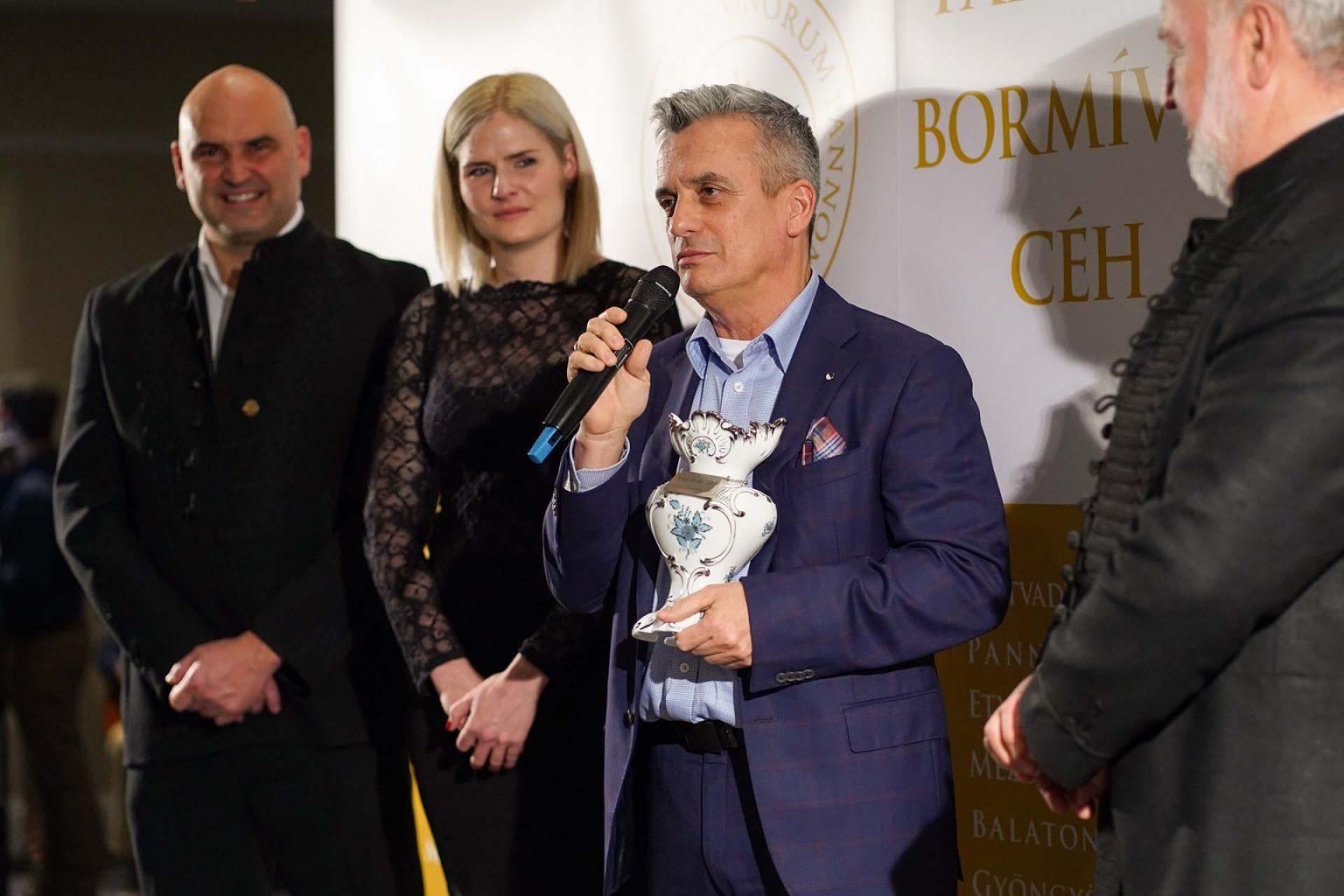 Pannon Bormíves Céh, Pannon Karácsony 2019. Bussay-díj átadó. A képen: Bolyki János, dr. Bussay Dorottya, Rókusfalvy Pál és Heimann Zoltán.