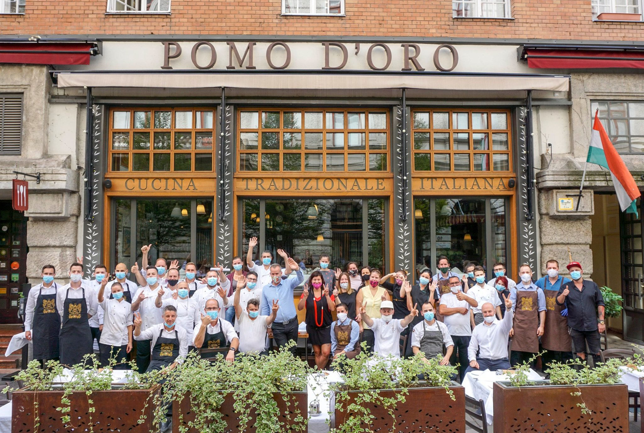A Trattoria Pomo D'Oro csapata