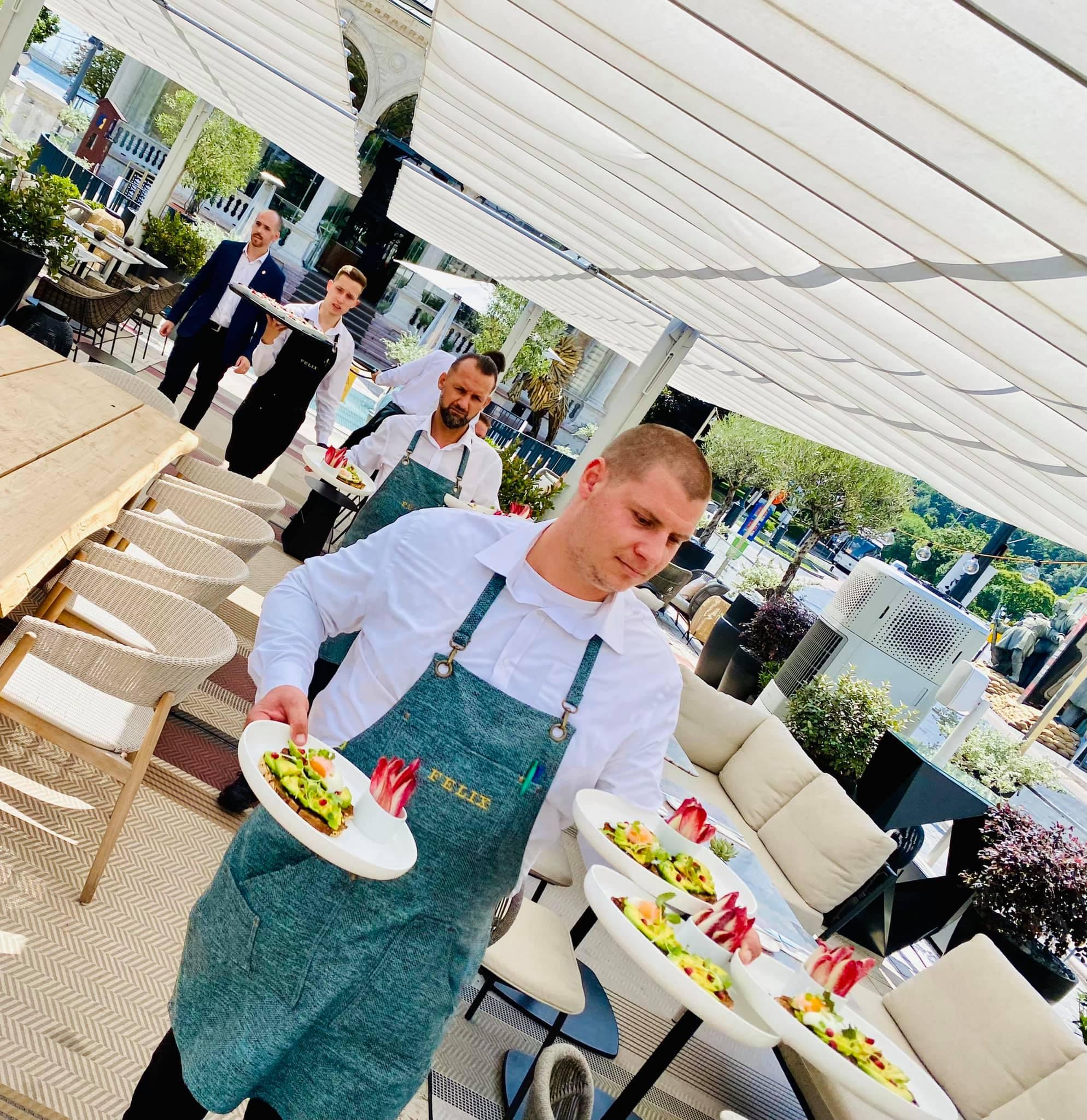 És érkeztek a brunch első ételei ... (Felix Kitchen&Bar)
