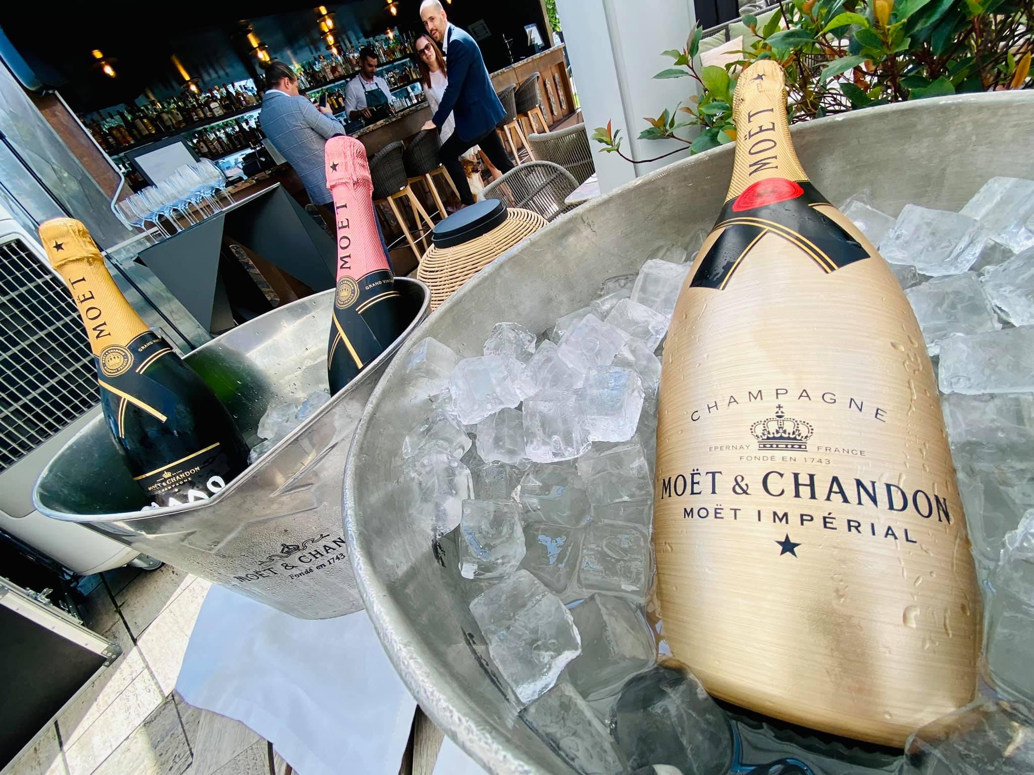 A brunch italai természetesen Moët & Chandon Champagne-ok voltak.