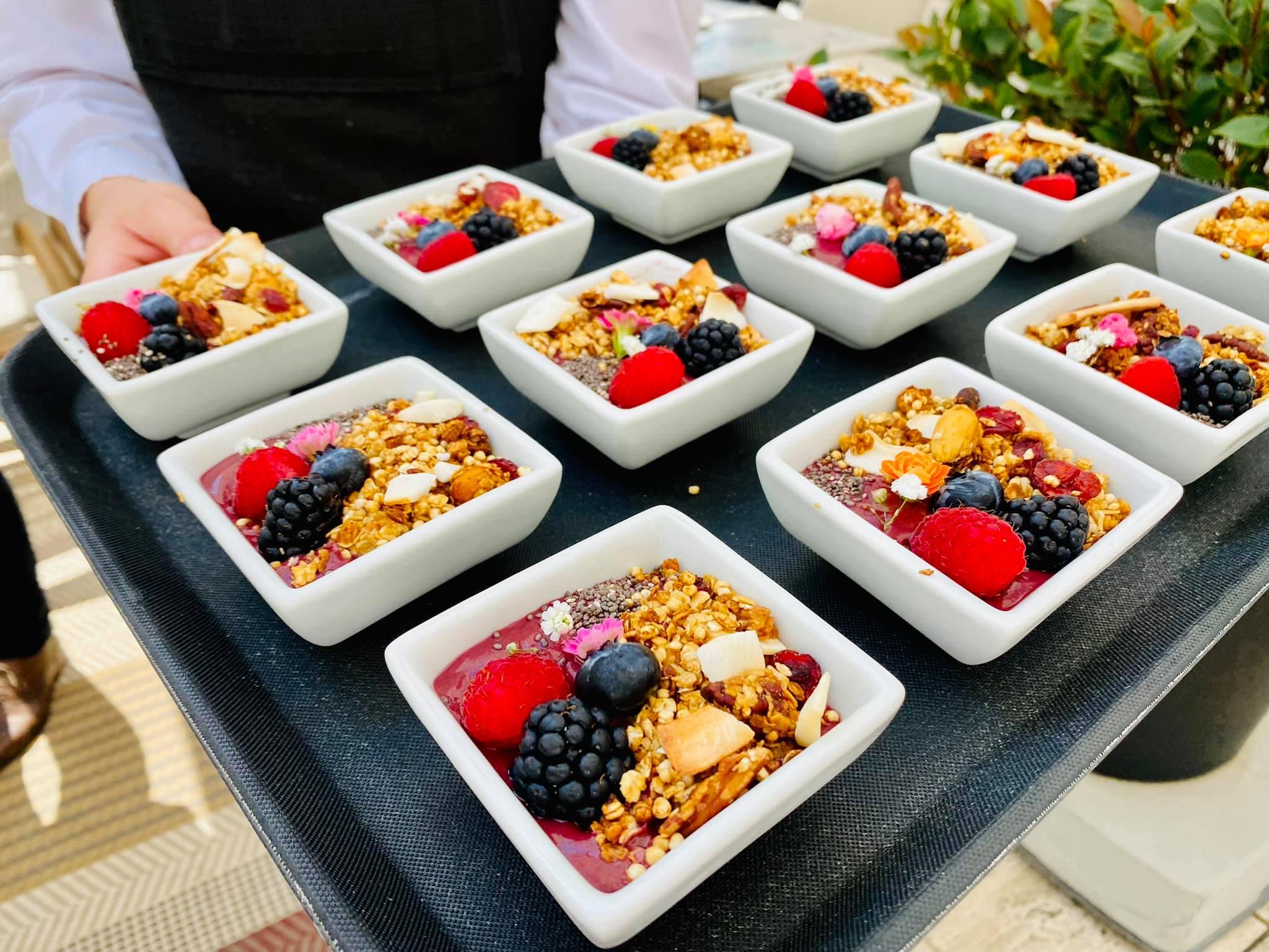 Acai bowl szederrel, málnával, áfonyával (Felix Kitchen&Bar)
